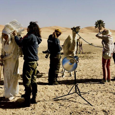 Shootingvorbereitung in der Wüste